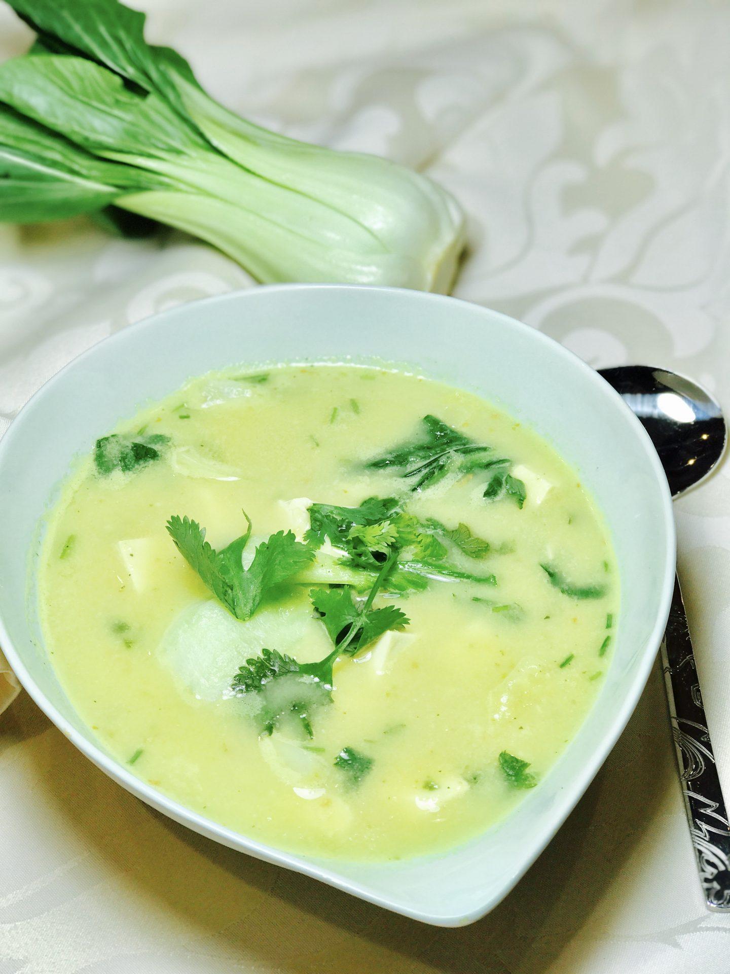 Cauli-Choi Tofu Soup